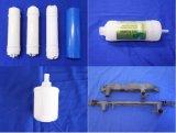 Plaque chaude horizontale soudant les pièces en plastique automatiques en plastique ultrasoniques de filtre d'eau de machine de soudure