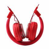 Nuovo sport elettronico del dispositivo sulle cuffie senza fili multifunzionali di Bluetooth dell'orecchio adatte a scheda FM di TF