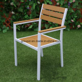 Ensembles de meubles de jardin, chaises et table en bois en plastique