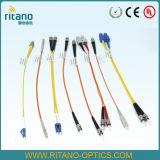FTTHの分布の接続1X4CHのファイバー小型鋼鉄管のパッケージが付いている光学PLCのディバイダー