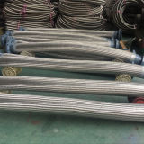 En carton ondulé en acier flexible avec tresse métallique.