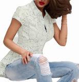 Il merletto di modo scava fuori la misura sottile bianca della camicia di T di polo delle donne sexy