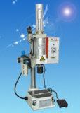 Hot Jlya vente petite presse pneumatique de la machine pour les pièces de silicium de perforation
