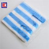 색깔 사탕에 의하여 분리된 재생한 t-셔츠 쇼핑 백을 저장하십시오