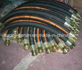 Boyau hydraulique à haute pression de caoutchouc nitrile R2 avec des garnitures