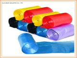 بلاستيكيّة تكّة [غربج بغ] على لف حقيبة مستهلكة مع تكّة
