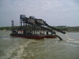 Areia de ferro que bombeia & que separa o navio de dragagem para a mineração da areia do mar