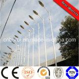Carcasa de aleación de aluminio Material y fuente de luz LED de luz LED 40W con Post Farolas LED de Energía Solar