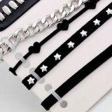 5 de Elegante Zwarte Halsbanden van de Nauwsluitende halsketting van het Leer van het Hart PCS/Set voor Reeks van de Halsband van de Ketting van de Klinknagel van de Ster van Vrouwen de Acryl Geometrische Zilveren