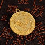Kundenspezifische glänzende höhlen heraus laufende Goldmedaille aus