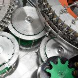 Cadena de producción embotelladoa automática completa del agua potable del vector