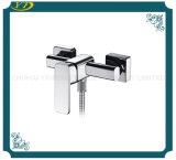 Polished установленный стеной однорычажный Faucet ванной комнаты