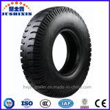 O reboque radial sem câmara de ar de aço do pneumático do caminhão parte o pneu