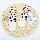 Bequemes Baumwollkleid scherzt Socken