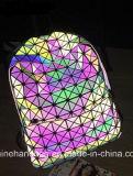 明るい幾何学の折るバックパック袋
