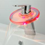 Robinet en verre de la cascade à écriture ligne par ligne DEL de mélangeur de salle de bains de fonction de DEL