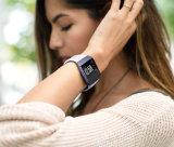 Белая полоса ионизации Fitbit из натуральной кожи; смотрите планке с помощью адаптера