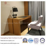 ダブル・ベッド(YB-O-76)が付いている現代的なタケホテルの寝室の家具