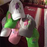 Feiya 6の自動的に急な回復の帽子の衣服の刺繍のトリマーのためのヘッド刺繍機械