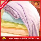 柔らかいタッチポリエステル羊毛の投球毛布