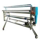 ファブリックアラインメントを用いる編まれ、編まれたファブリック巻上げのローラー機械