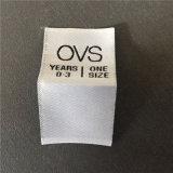 Custom 50d de alta densidad fondo blanco con Letra Negra etiquetas tejidas