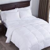 安い価格のホテルの寝室のガチョウの代わりとなる慰める人