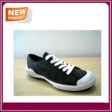 販売のための人のスポーツの偶然靴