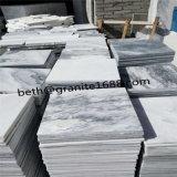 直接石切り場の曇った灰色の大理石の床タイル