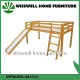 Cama em madeira de pinho sólido com mesa de estudo