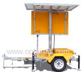 Afficheur LED mobile solaire de signe de couleur de circulation de matrice de Fulll monté par remorque extérieur