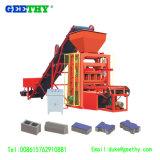 Het Concrete Blok die van de Machine Qtj4-26 van de Baksteen van de pallet Machine in Tanzania maken