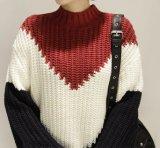 Soem-kundenspezifische Form gestrickte Pullover-Frauen-Strickjacke mit Muffe