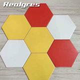 Los materiales de construcción varios Color porcelana Hexagonal Baldosa de baño
