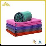 Forma fisica di allenamento e tovagliolo di Pilates