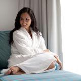 고전적인 숄 고리 면 백색 목욕 겉옷 테리 또는 벨루어 호텔 욕의