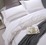 優れた60sプラチナステッチの刺繍の白い綿のホテルの寝具セット
