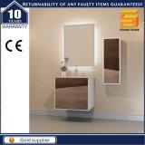 Cabina de cuarto de baño de madera de la melamina de la laca blanca del lustre con el lavabo de colada