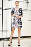Платье переноса шеи втулки v локтя с печатью цифров размещения