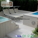 Le WPC Decking, tablier, une piscine en plein air Decking-de-chaussée