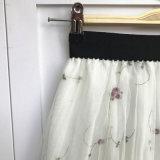 Юбка сплошного цвета кнопки шотландки флористическим передним эластичным плиссированная шкафутом