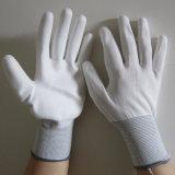 Белый провод фиолетового цвета перчатки электрический ручной работы безопасности вещевого ящика