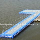 De taille différente du Jet Ski dock flottant construire par le PEHD ponton
