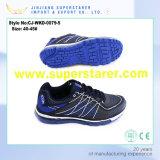 Pattini esterni delle scarpe da tennis casuali di sport del pattino della maglia degli uomini