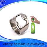 Кольцо пальца из нержавеющей стали и бутылок пива