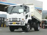 新しいIsuzu 4X2のダンプトラック