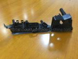Пластичная прессформа впрыски отливая автоматические части в форму Tooling компонентов