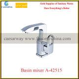 Misturador sanitário lanç novo do Faucet de água da cozinha dos mercadorias
