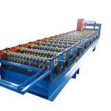 機械を形作る艶をかけられたタイル