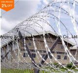 Het Prikkeldraad van het Scheermes van het Concertina van de Lagere Prijs van de Leverancier van China/de Hete Ondergedompelde Gegalvaniseerde Draad van het Scheermes